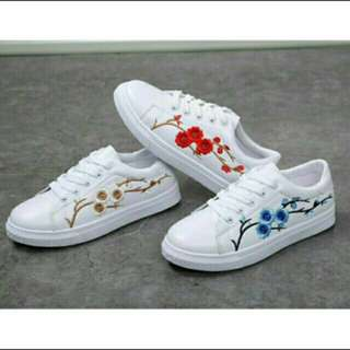 🔥 READY STOCK!🔥 🌹 Rose embroidered shoes for women 🌹