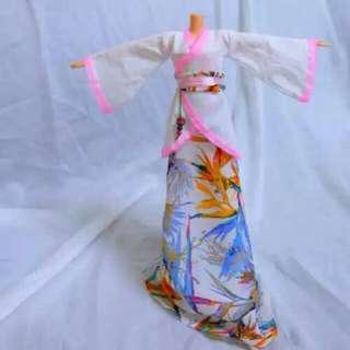 🚚 古裝娃衣芭比可兒心怡莉卡天堂鳥
