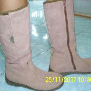 Sepatu Boot Musim Dingin