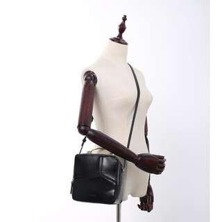 🆕Black Square Sling bag/ Cross Body Bag/ Shoulder Bag
