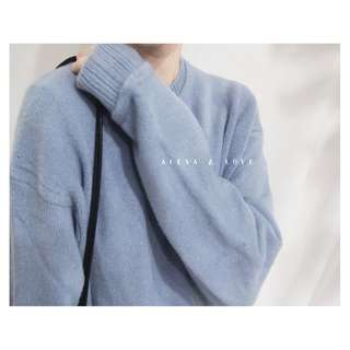 Alexa&Love 霧藍軟軟寬鬆長袖毛衣(特)