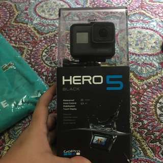 Go Pro Hero 5 slighlty used with Free 64 gig fast memory card