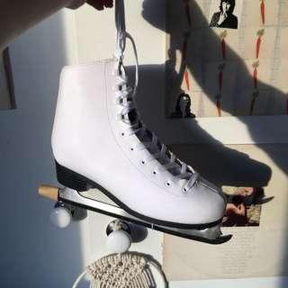 Women's figure/ice skates