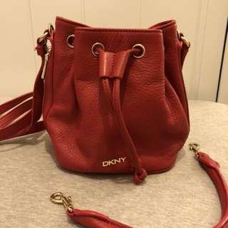 DKNY 手袋 鮮紅色 多用途手袋 能手挽或斜揹