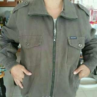 Jaket bahan levis abu