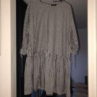 BOOHOO: Black And White Checkered Tie Sleeve Ruffle Hem Dress