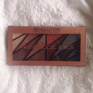 MAKEUP REVOLUTION Revoholic Eyes