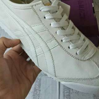 ONITSUKA TIGER MEXICI 66 DULUXE TRIPLE WHITE UNAUTHORIZED AUTHENTUC (UA)  SIZE 36-45 STOCK TERBATAS.