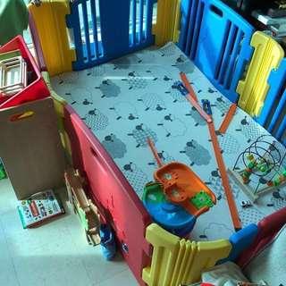 Good condition - (6panels) haenim playpen / play yard