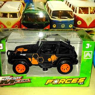 Maisto Jeep Diecast Model