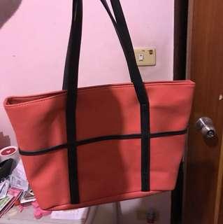 桃紅大手提包