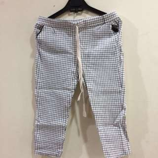 Checked White 7/8 Pants