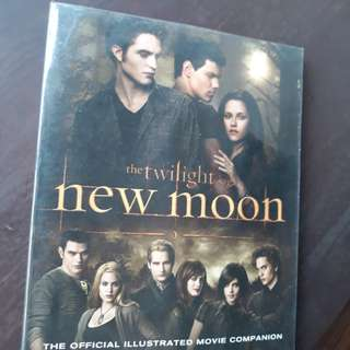 New Moon Complete Illustrated Movie Companion