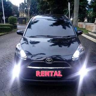 Sewa Mobil DKI Jakarta Toyota Sienta V MT Plus Driver Handal