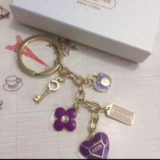 Coach 時尚紫心吊飾鎖匙扣