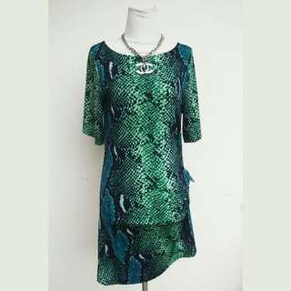 Midi Dress Hijau Casual Hijau Motif Ular