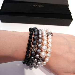 NEW Authentic CHANEL pearls bracelet bangle
