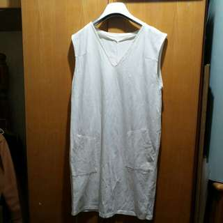 白背心連身裙