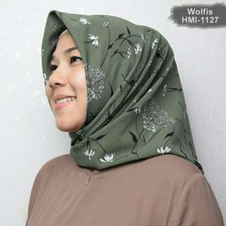 Hijab Segiempat Motif Scarf