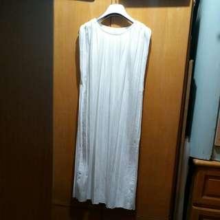 白色百摺連身背心裙