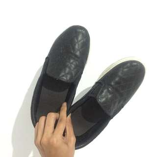 Flip on shoes