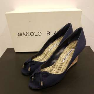 Manolo Blahnik 37 navy canvas wedges 全新