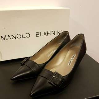 Manolo Blahnik 37 black leather high heels