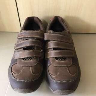 ae4f1e4e4f72e Clarks tracking shoe