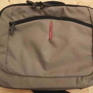 Samsonite laptop bag (olive green)