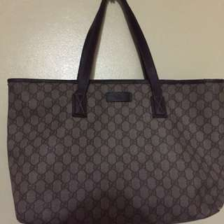 Gucci bag (Authentic) with flaws