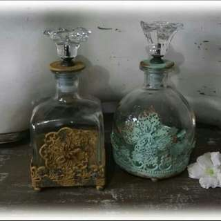 Country Style Essential Oil Glass Empty Bottles with Gast iron Base