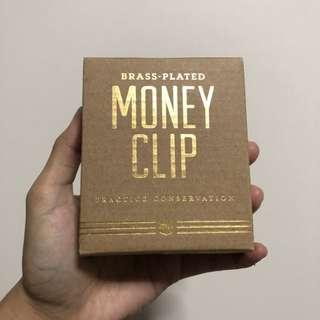 Izola practice conservation money clip
