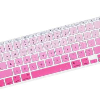 Macbook Silicon Keyboard Protector in Gradient Pink