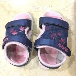 Oshkosh sepatu sendal