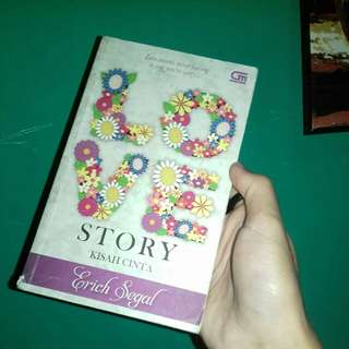 Love Story (Kisah Cinta) by Erich Segal