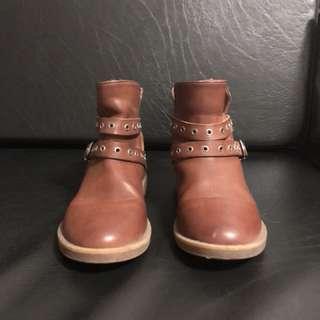 Zara Girls boots size 28