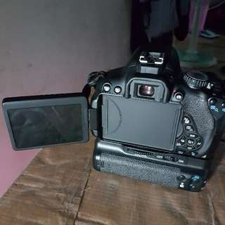 Canon EOS 650d body With Battery Grip