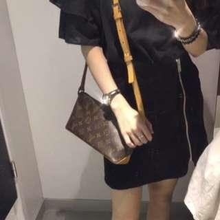Louis Vuitton Monogram Shoulder Bag 袋 lv 老花