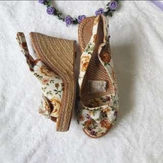 Repriced Primadonna Wedge Sandal with box