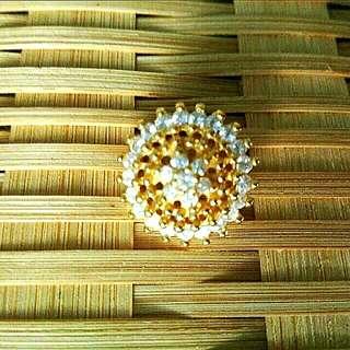 Gold Diamond Button