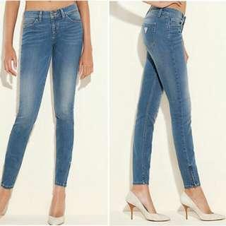 GUESS Marilyn 3-Zip Skinny Light Blue Wash Jeans
