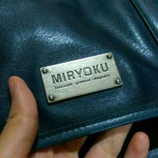 (不議價 先搶先得)Miryoku經典藍色八五成新手提側背兩用包(附防塵袋
