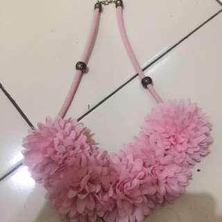 Kalung bunga (pink)