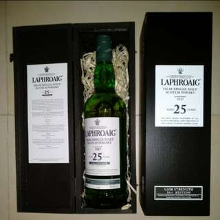 LAPHROAIG 25 Years Cask Strength 2011 Edition