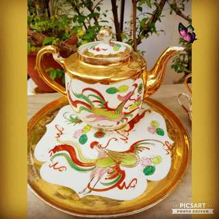 1950s Vintage Chinese Porcelain Teaset with Hand-Painted Dragon and Pheonix. Good Condition with clear motifs, no chip no crack no stain and only has very little fading of gold parts. 1 teapot + Tray + 4 cups, 5 items for $35 only!