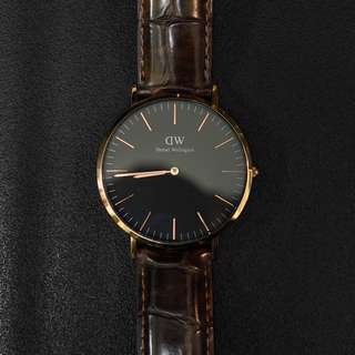 Daniel Wellington Classic Black York 40mm (Gold)