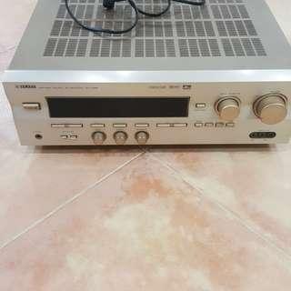 Yamaha amp RXV 495