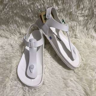 ROVERS T-STYLE SANDALS