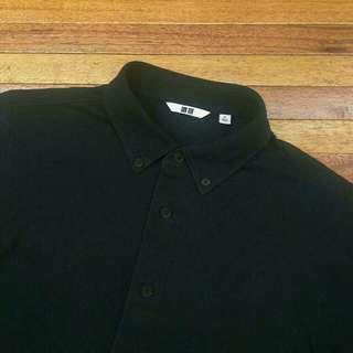 Kemeja UNIQLO Black Button Down Stretch Shirt Lengan Pendek
