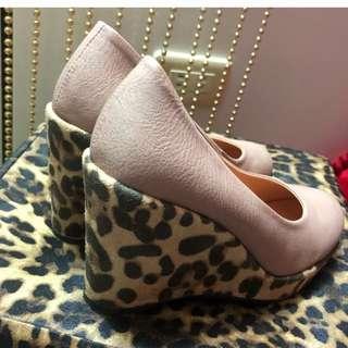 裸色楔形厚底 前高後高 豹紋鞋跟造型高跟鞋